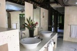Villa Pantulan Bathroom